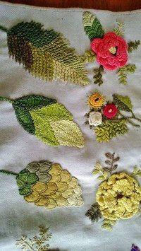 Embroidery Leaf Stitch Inspiration 52 Ideas For 2019 Embroidery Leaf, Silk Ribbon Embroidery, Vintage Embroidery, Cross Stitch Embroidery, Embroidery Patterns, Machine Embroidery, Leaf Patterns, Cross Stitches, Stitch Patterns