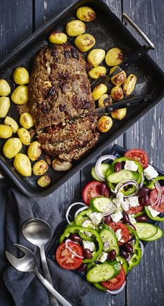 Greek Recipes, Real Food Recipes, Cooking Recipes, Yummy Eats, Yummy Food, Danish Food, Dinner Is Served, World Recipes, Tapas