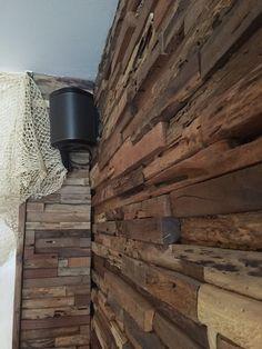 rusztikus fali dekoráció, Holzwand Wood Wall Art, New Pictures, Vintage, Wood Walls, Wall Panelling, Wooden Wall Art, Vintage Comics