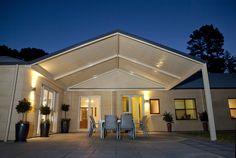 Exhibiting a strong presence and style, the pitched roof of a Stratco Outback Gable Carport, Pergola, Veranda or Patio is endowed with an open feel that will enrich your home and outdoor area. Pergola Carport, Pergola With Roof, Wooden Pergola, Patio Roof, Pergola Patio, Covered Pergola, Carport Plans, Patio Bar, Cheap Pergola