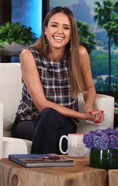 217d7d57753c Jessica Alba on the Ellen Show — November 2
