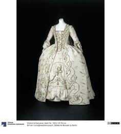 Robe a la francaise  Women's Dress  About 1770  Origin (General): London, Spitalfields