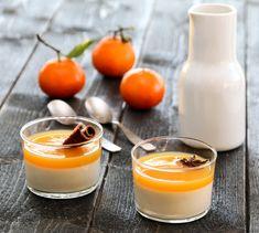 PANNA COTTA MED APPELSINSAUS | TRINES MATBLOGG Norwegian Food, Norwegian Recipes, Panna Cotta, Cinnamon, Food And Drink, Snacks, Baking, Orange, Ethnic Recipes