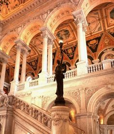 The Library of Congress : the art and architecture of the Thomas Jefferson Building / edited by John Y. Cole and Henry Hope Reed ; with essays by John Y. Cole...[et al.]: https://kmelot.biblioteca.udc.es/record=b1237058~S1*gag
