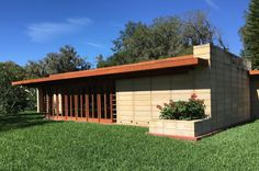What IS a Frank Lloyd Wright House?