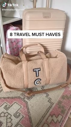 Teresa Caruso on TikTok Road Trip Packing, Packing Tips For Vacation, Travel Packing, Travel Hacks, Packing List Beach, Travel Capsule, Travel Bag Essentials, Road Trip Essentials, Road Trip Checklist