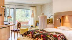Rückzugsort mit Blick ins Grüne #juffing #hotelwithstyle #hotelroom #hinterthiersee #austria #travel #bedroom