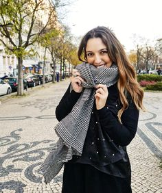 Woman Smile, Instagram Ideas, Beautiful Smile, Aesthetic Clothes, Portuguese, Youtubers, Babe, My Favorite Things, Outfits