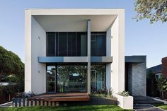 Brighton Home by Darren Comber 2 Sophisticated Residence Design Blurring the Lines Between Indoor and Outdoor