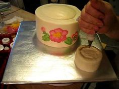 How to make a Teapot Cake - Great tip to make the handles stay