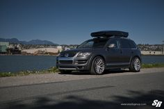 Take a look at the Imposing Gray VW Touareg Shod in Chrome Wheels photos and go back to customizing your vehicle with renewed passion. Vw Toureg, Touareg Vw, Mercedes Cls, Cool Vans, Chrome Wheels, Black Rims, Military Discounts, Buying Wholesale, Us Images