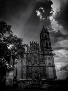 Templo de San Francisco Javier (Tepotzotlán, México. #Photograph by Gustavo Thomas © 2014)