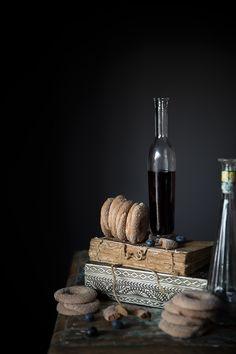 Ciambelline al farro e liquore di mirtilli