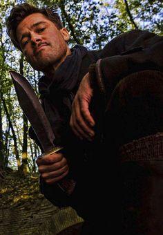 Brad Pitt in Inglourious Basterds Quentin Tarantino, Tarantino Films, Hans Landa, Brad Pitt, Christoph Waltz, Iconic Movies, Great Movies, Inglorious Bastards, Film Inspiration