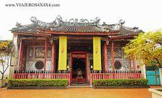 Aquí están los mejores templos, mercados, centros comerciales, sitios donde ver combates de boxeo tailandés, paseos en lancha y caminatas de Bangkok.