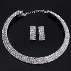 Innate love of beautiful women, this jewelry set makes you more charming. Wedding bridal jewelry designs give you ability to add noble temperament just the way you would like it to be. The fashion jewelry set can match with your dress, is suitable for wedding, party and other special occasions. D...