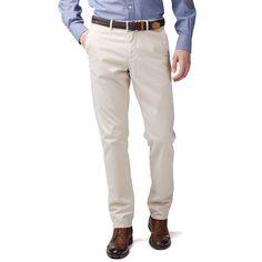 Echt trendy: Twill-Chino Mercer im Flat Front-Style, mit gerdem Bein und normaler Leibhöhe. Mit Tommy Hilfiger Flag-Label auf der Münztasche und Brand-Badge am vorderen Bund./br/brStyle-Info: Style Mercer sitzt an der Taille etwas enger als Style Madison und auch das gerade Bein ist etwas schmaler geschnitten. Im Vergleich zum Style Hudson ist Style Mercer jedoch insgesamt weiter geschnitten. /br/brDas abgebildete Modell ist 1,86 m groß und trägt Tommy Hilfiger Hosengröße W32/L34.