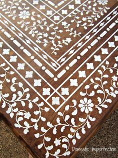 Indian Inlay Stenciled Table Table stenciled to look like bone inlay.this is a great way to get the look without spending a ton of money! Furniture Projects, Furniture Makeover, Diy Furniture, Diy Projects, Indian Furniture, Deco Table, A Table, Wood Table, Stenciled Table