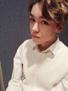 Vernon | Choi Hansol < look at this little hecker <3333 so cute