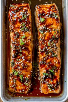 Honey Soy Salmon is full of flavor with honey, soy, ginger and scallions broiled in your oven in less than ten minutes with just 1 smart point per 6 ounce serving of salmon!