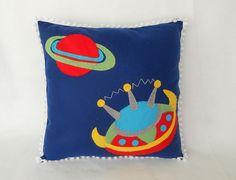 Almofada em feltro / Felt pillow by Policromata Artes