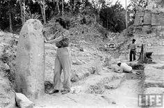 Descubrimiento de las ruinas de Tikal, Petén.