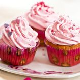 Find images and videos about ♥, cupcakes and i love food on We Heart It - the app to get lost in what you love. Purple Christmas, Xmas, Cupcake Images, Pink Cupcakes, I Love Food, Valentines Day, Cheesecake, Cookies, Baking