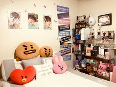 Creating an Army Bedroom Army Room Decor, Army Decor, Bedroom Decor, Dream Rooms, Dream Bedroom, Army Bedroom, Kawaii Room, Aesthetic Rooms, Kpop Aesthetic