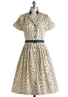 1940s Style Shirtwaist dress- Fits the Billow Dress http://www.vintagedancer.com/1940s/the-shirtwaist-dress-the-ultimate-1940s-day-dress/