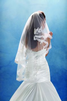 Princess Tiana wedding veil, from the Disney's Fairy Tale Weddings by Alfred Angelo collection - Style 106 #wedding #veil