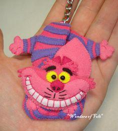 Cheshire Cat Organizer Headphone earphones holder by WondersOfFelt