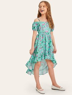 To find out about the Girls Ruffle Ditsy Floral Dip Hem Cami Dress at SHEIN, part of our latest Girls Dresses ready to shop online today! Girls Dresses Online, Dresses Kids Girl, Cute Girl Outfits, Kids Outfits, Tee Dress, Knit Dress, Fashion Kids, Fashion Outfits, Fit N Flare Dress