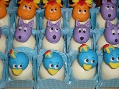 backyardigans cake pops.