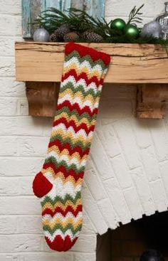 Give your Christmas mantel a modern look with this Zigzag Christmas Stocking. You don& have to stick to traditional Christmas stocking patterns when you have this trendy crochet Christmas pattern with a unique design. All Free Crochet, Crochet Home, Cute Crochet, Crochet Crafts, Crochet Yarn, Yarn Crafts, Crochet Projects, Chevron Crochet, Crochet Ideas