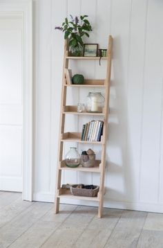 Hambledon Shelf Ladder with Folding Shelves by Garden Trading Oak Shelves, Bookcase Shelves, Ladder Decor, Shelving, Bookcases, Classic Bookshelves, Standing Shelves, My New Room, Quartos