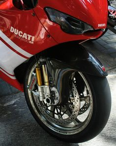 Ducati Desmosedici Rr, Outdoor Fireplace Designs, Ducati Motorcycles, Cool Bikes, Bicycle, Vehicles, Biking, Wheels, Lifestyle