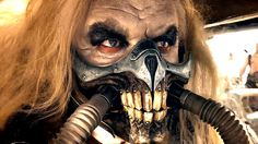 Review: MAD MAX: FURY ROAD is Post-Apocalyptic Perfection | Nerdist