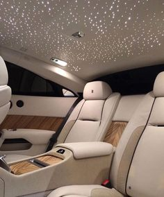 The high life luxury lifestyle expensive cars Maserati, Rich Cars, Royce Car, Rolce Royce, Top Luxury Cars, Luxury Cars Interior, Luxury Suv, Cute Car Accessories, Clothing Accessories