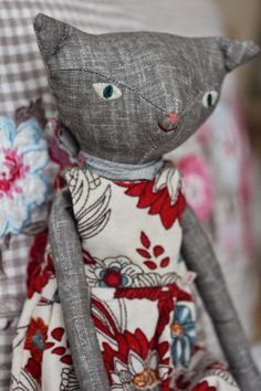 Cute kitty. Softies, Plushies, Dress Up Dolls, Cat Doll, Cute Toys, Felt Fabric, Sewing Toys, Hello Dolly, Handmade Dolls