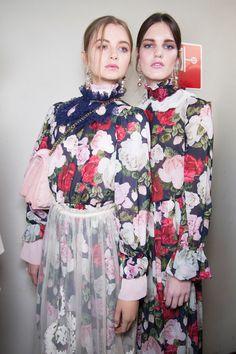 Winter Roses – Blugirl Fall Winter 2016/17 Fashion Show backstage #mfw