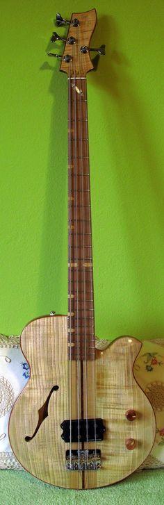 Pantic&Son Guitars Classic Bass