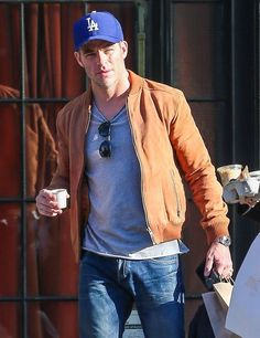 Chris Pine Photos Photos - 'The Finest Hours' actor Chris Pine is seen leaving The Bowery Hotel in New York City, New York on January 27, 2016. - Chris Pine Leaves the Bowery Hotel