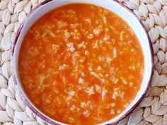מרק עגבניות ואורז. מתכון להכנת מרק עגבניות ואורז - מתכון קל וטעים שידהים את האורחים ובני המשפחה בליווי תמונות מהממות.