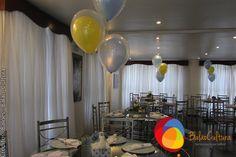 Arranjos de balões para mesa de convidados para chá de bebê.  Crédito: Balão e fotos: Balão Cultura Créditos: Balões e filme: Balão Cultura  Gostou? Contate-nos: www.balaocultura.com.br Telefones: 11 50816916 ou 11 39049892  #chadebebe #babyshower #decoraçãodeovelhinha #decoraçãodeovelha #decoraçãodeovelhanobalao #balaodecoracao #qualatex #decoraçãodiferente #decoraçãocriativa #encontraideias #mamaefesteira #balaocultura