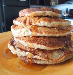 Healthy Cinnamon Oatmeal Banana Pancakes (No added flour or sugar!) next time: more milk/cinnamon/vanilla
