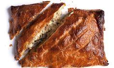 Nigel Slater's smoked mackerel pie recipe Best Fish Recipe Ever, Best Fish Recipes, Lunch Box Recipes, Pie Recipes, Savoury Recipes, Cooking Recipes, Healthy Recipes, Shellfish Recipes, Gastronomia