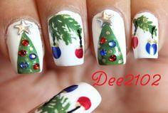 Christmas Tree Ornament Nails - Dee2102