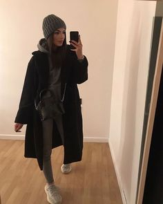 OMG😍Totally in love with her style,clothes.Swipe up ➖& pick up your favourite outfit from 1 to to: in love with her style,clothes.Swipe up ➖& pick up your favourite outfit from 1 to to: @ . Casual Winter Outfits, Winter Fashion Outfits, Classy Outfits, Look Fashion, Stylish Outfits, Fall Outfits, Autumn Fashion, Fashion Women, Fashion Ideas