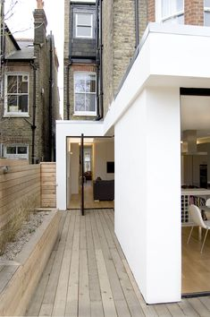 Victorian House – London Modernised interior and exterior of old town house. Victorian House London, Victorian Terrace, Victorian Homes, Modern Victorian, London House, Architecture Durable, Interior Architecture, Orangerie Extension, Casa Pizza