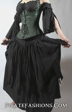 FuFu Skirt – Pirate Fashions. This is a nice skirt that even has pockets. I want it!